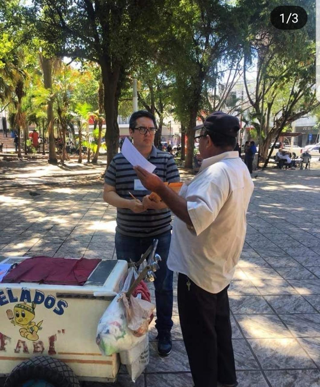 Silber Meza, director de Inicaitiva Sinaloa en encuesta a ciudadanos de culiacán